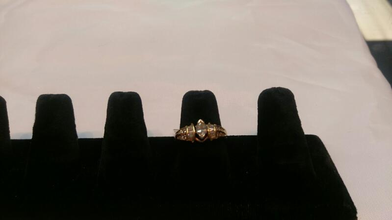 Lady's Diamond Solitaire Ring 13 Diamonds 2.65 Carat T.W. 14K Yellow Gold 6g