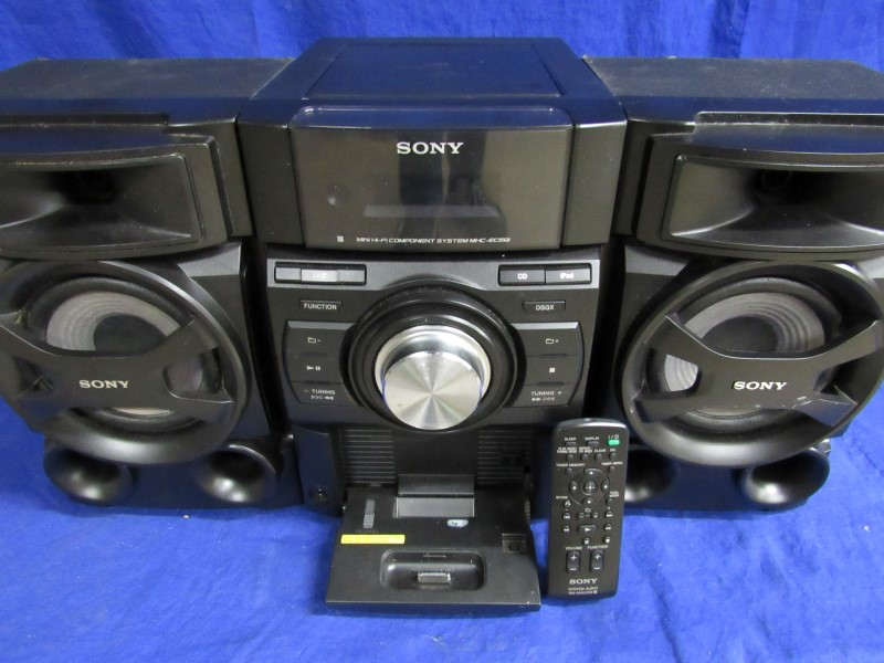 Sony MHC-EC69i MINI SYSTEM W/ iPod Cradle