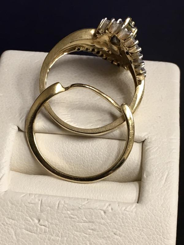 Lady's Diamond Wedding Set 31 Diamonds .31 Carat T.W. 10K Yellow Gold 3.6dwt