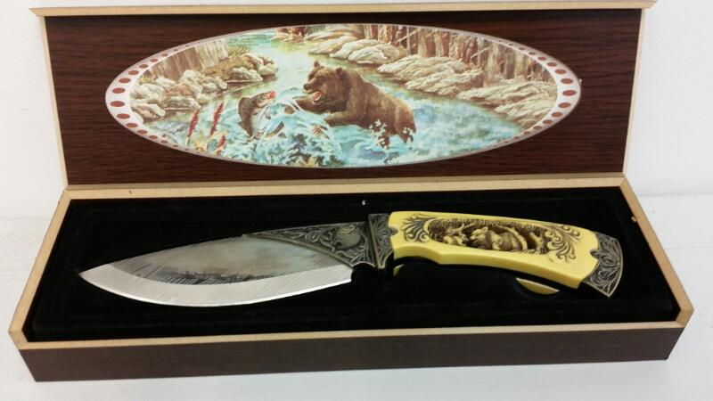 BEAR CARVED DISPLAY KNIFE MADE IN CHINA]