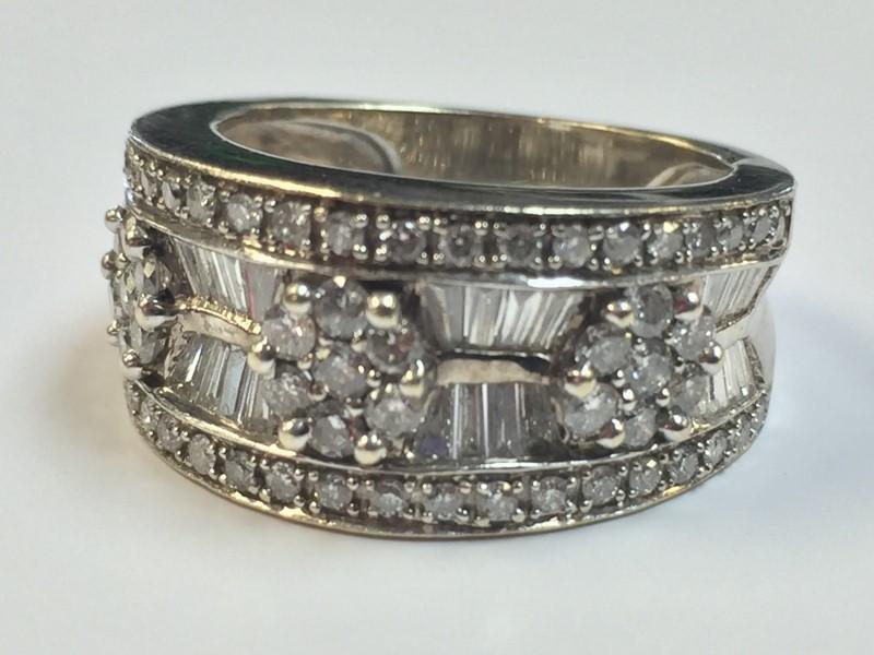 Lady's Diamond Cluster Ring 74 Diamonds 1.80 Carat T.W. 14K White Gold 7.3g