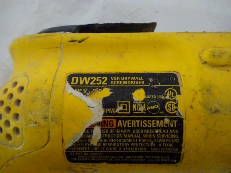 DEWALT Screw Gun DW252 DRYWALL GUN