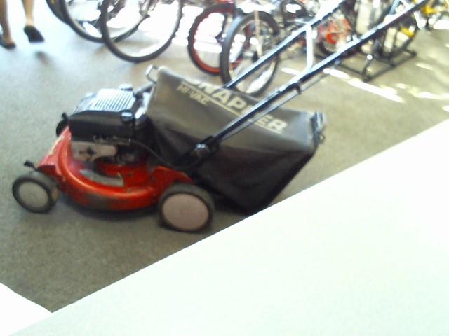 SNAPPER Lawn Mower RP21500
