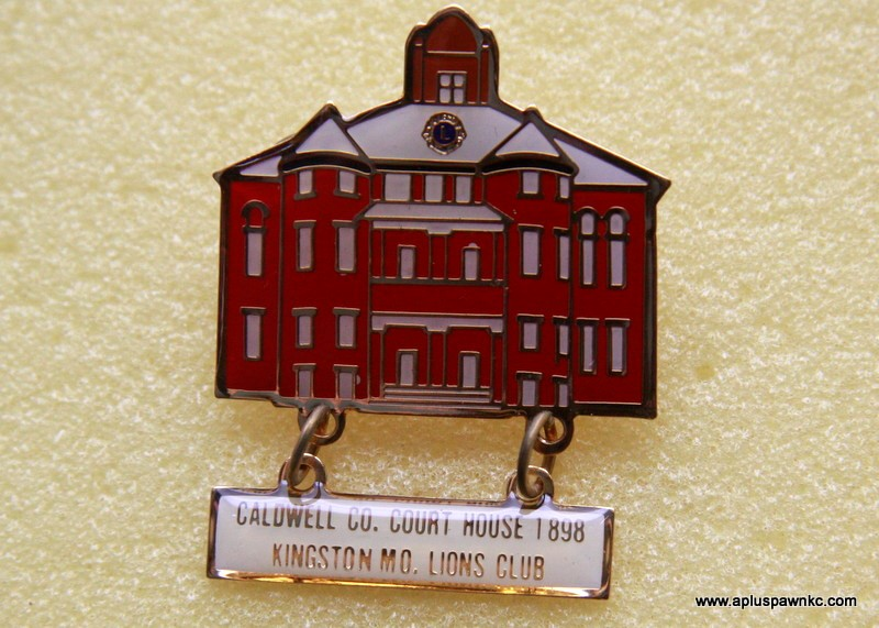 CALDWELL CO. COURT HOUSE, KINSTON MO LIONS CLUB ENAMEL PIN