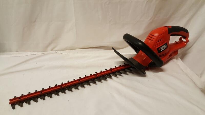 BLACK&DECKER Hedge Trimmer HT22