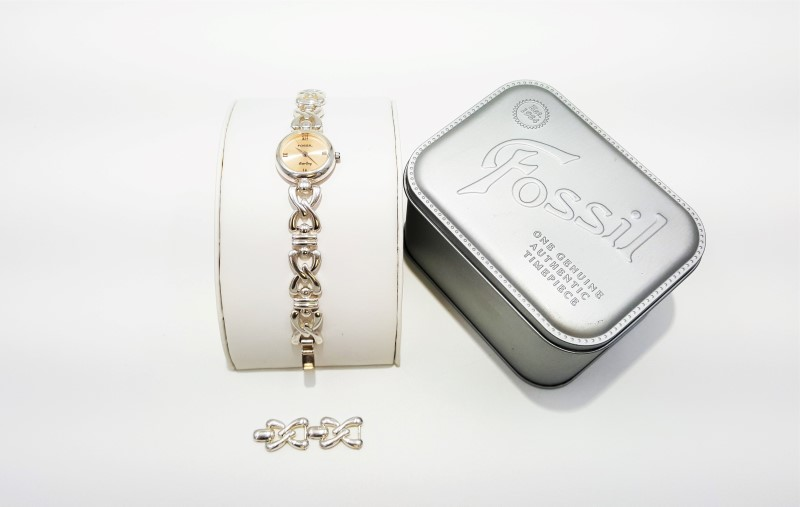 Lady's Fossil SV-5012 Sterling Silver Line Timepiece As-Is