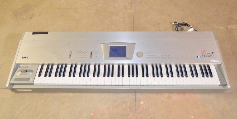 KORG Keyboards/MIDI Equipment TRINITY V3 PRO X 88 KEYS