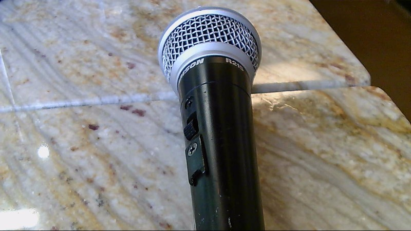 Preowned Samson Microphone R21S