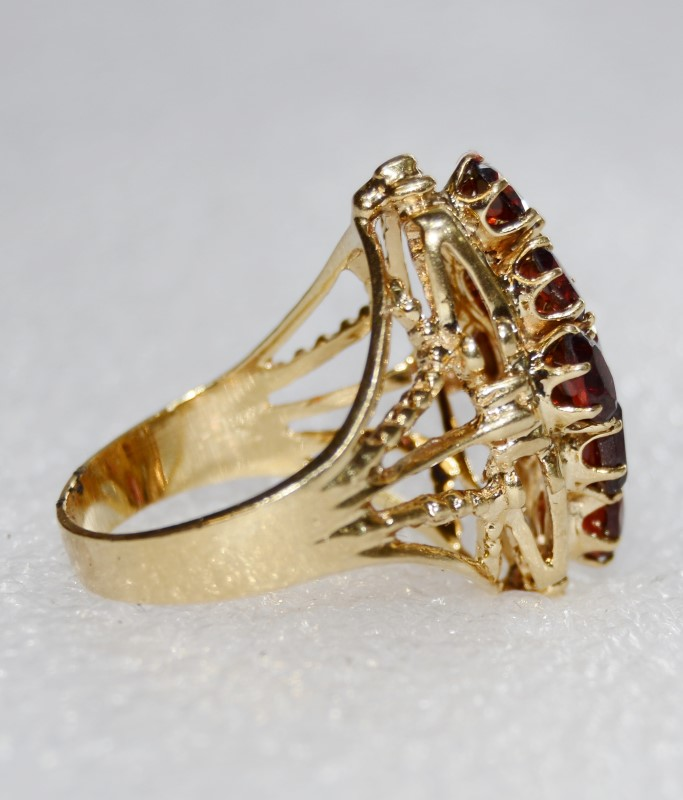 Elegant 10K Yellow Gold Garnett Diamond Shaped Cluster Ring Size 7.5
