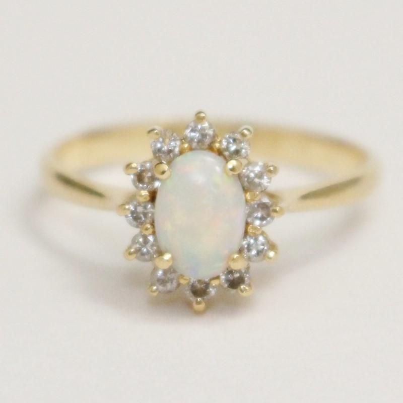14K Yellow Gold Oval Cut Opal & Brilliant Cut Diamond Ring Size 7.5