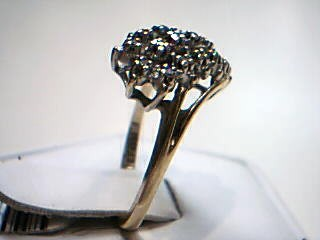 Lady's Diamond Cluster Ring 19 Diamonds .19 Carat T.W. 10K Yellow Gold 3.2g
