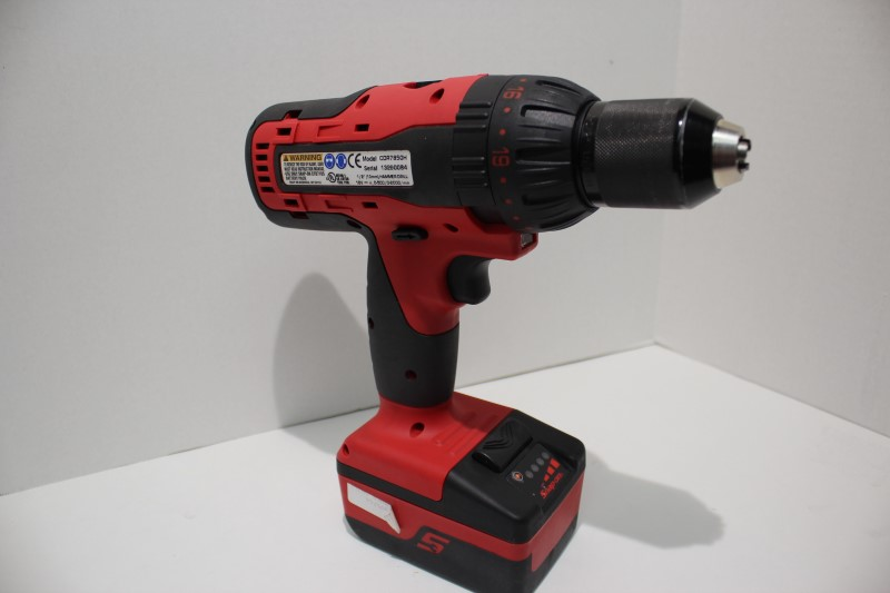 SNAP ON Cordless Drill with BAG, CHARGER, EXTRA BATTERY