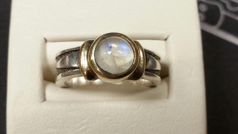 Lady's Silver Ring 925 Silver 4.6dwt Size:6