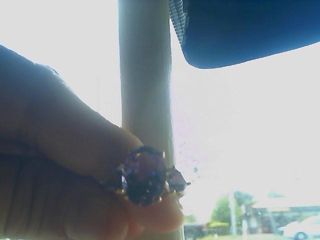Purple Stone Lady's Stone Ring 10K Yellow Gold 3.9g
