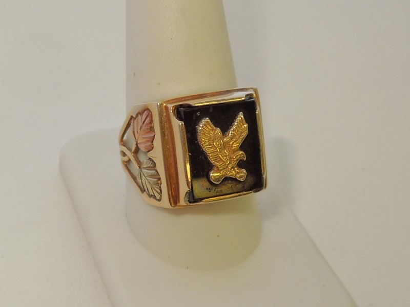 Synthetic Onyx Gent's Stone Ring 10K Tri-color Gold 7.6g