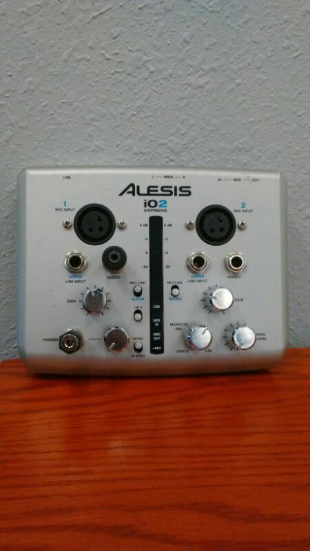 ALESIS Computer Recording IO2 EXPRESS