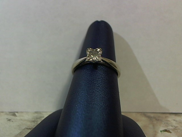 Lady's Diamond Engagement Ring .14 CT. 14K White Gold 2.4g Size:7.5
