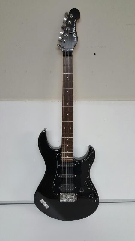 Yamaha EG-112C2 Black Electric Guitar