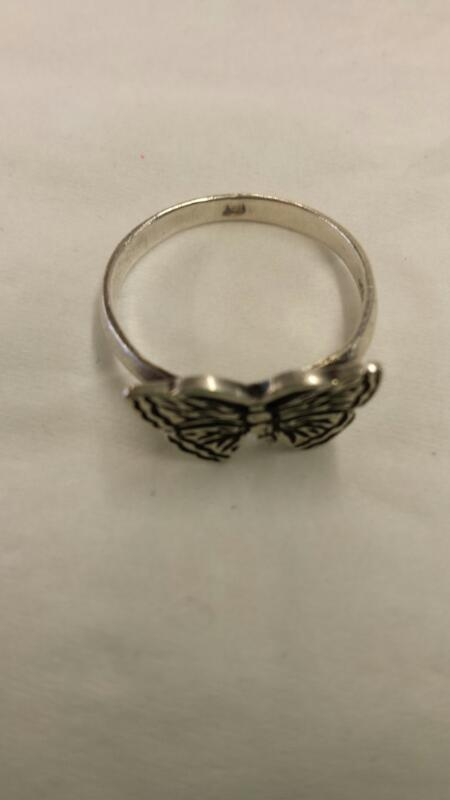 Lady's Silver Ring 925 Silver 1.94dwt