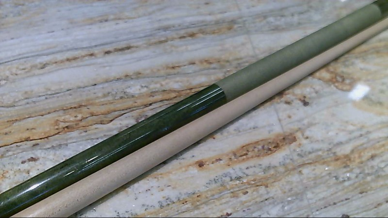 "1980's Mali Pool Cue 19 oz 58"" Green Label Irish Wrap"
