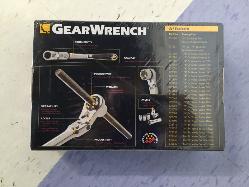 GEARWRENCH TOOLS,  27 PIECE RACHET SET, LIKE NEW CONDITION, IN CELLO WRAP.