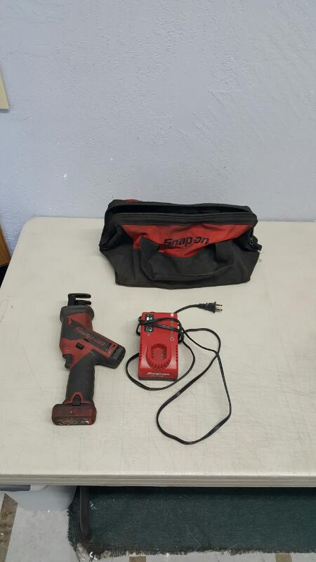 Snap-On CTRS761 MicroLithium Cordless Reciprocating Saw Kit