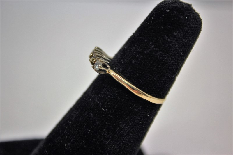 Lady's Gold-Diamond Anniversary Ring 3 Diamonds .33 Carat T.W. 14K Yellow Gold