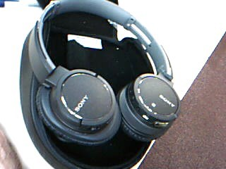 SONY MDR-ZX770BN Bluetooth Headphones with cables and case