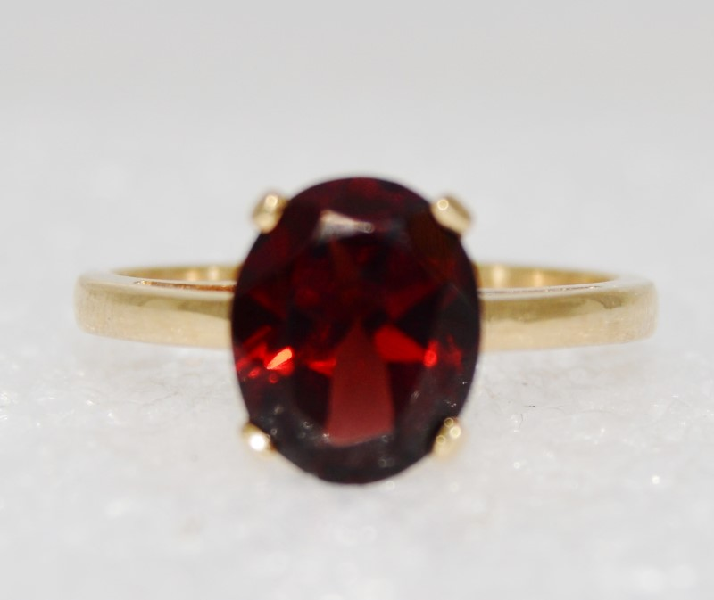 14K Yellow Gold Cathedral Set Oval Garnet Solitaire Ring sz 7