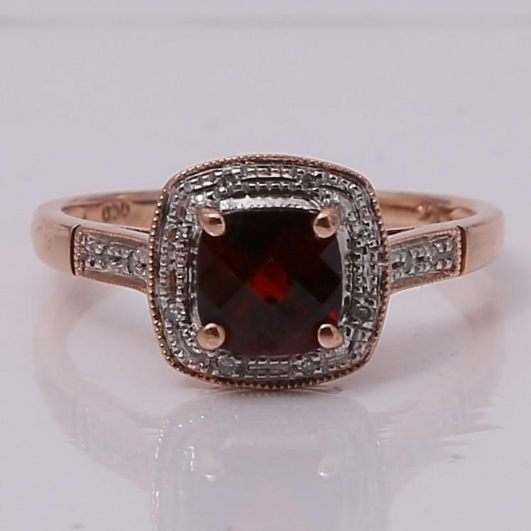10K Rose Gold Cushion Cut Almandite Garnet & Diamond Ring Size 7