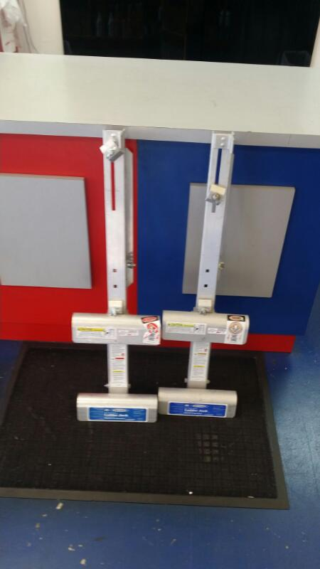 WERNER LADDER JACKS AC10-14-02S