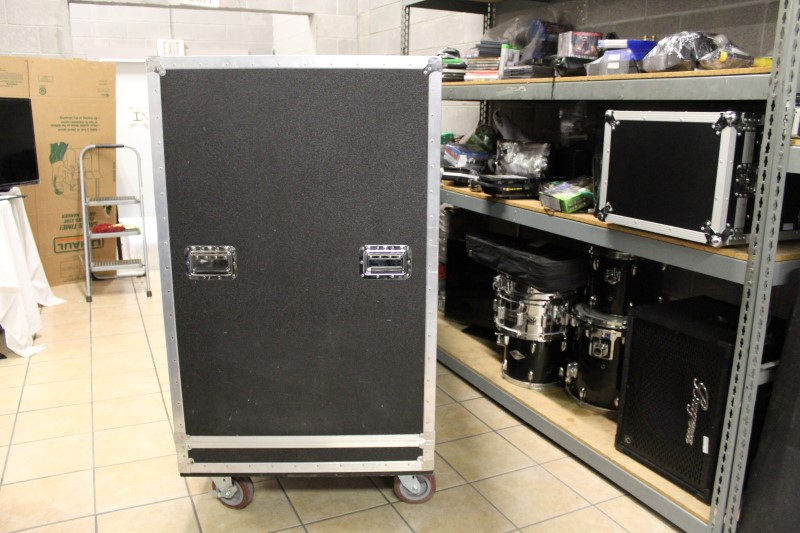 Case FLIGHT CASE FOR SPEAKERS