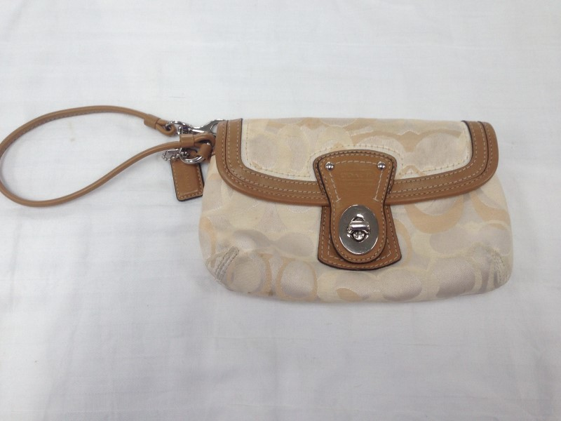 COACH TAN & WHITE CHANGE PURSE