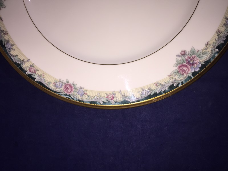 "Noritake Bone China ""Mi Amor"" #4717 Five (5) Piece Plate Setting (Made in Japan)"
