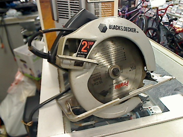 BLACK&DECKER Circular Saw 7392