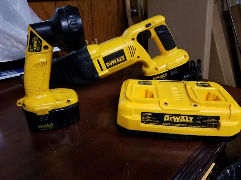 DEWALT Reciprocating Saw DW938