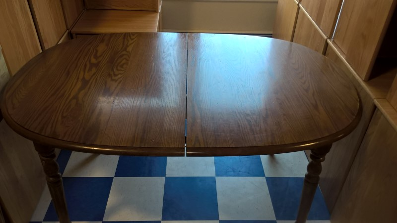 ETHAN ALLEN Dining Funiture OVAL TABLE