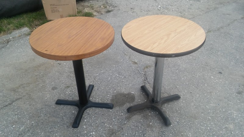 SMALL WORLD RHYTHM Table PEDESTAL TABLE