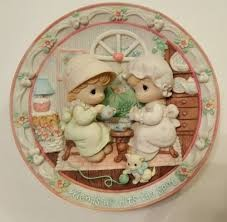 PRECIOUS MOMENTS Collectible 3D Plate FRIENDSHIP HITS THE SPOT