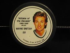 WAYNE GRETZKY Sports Memorabilia HOCKEY PUCK