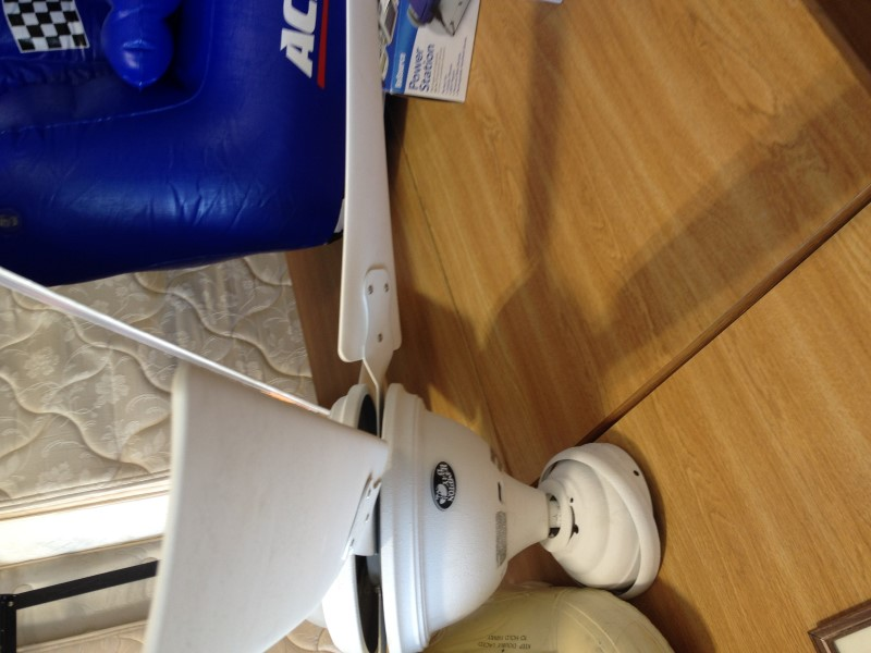 HAMPTON BAY Light/Lamp WHITE CEILING FAN