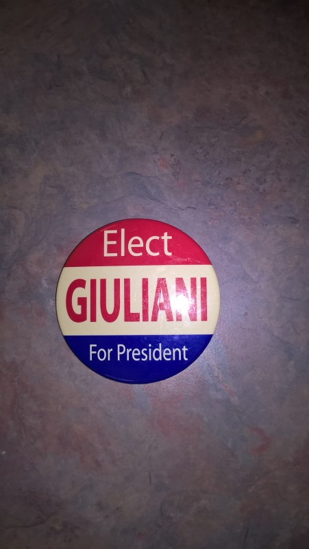 GIULIANI FOR PRESIDENT BUTTON