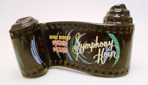 WDCC SYMPHONY HOUR SCROLL