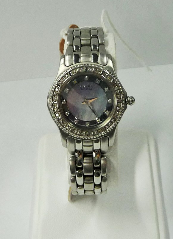 CITIZEN Lady's Wristwatch 682756 ECO DRIVE