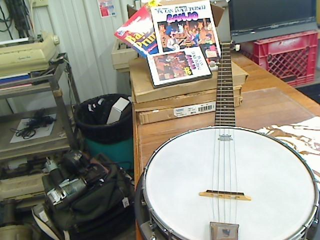 MORGAN MONROE Banjo BEAN BLOSSOM BANJO