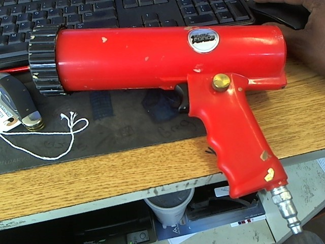 TASK FORCE Air Tool Parts/Accessory CAULKING GUN