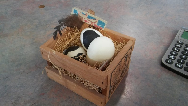 COW DECOR Collectible Plate/Figurine EGGS COW BASKET