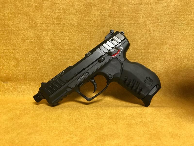 Ruger SR22 Threaded Barrel 22lr Pistol 2 mags