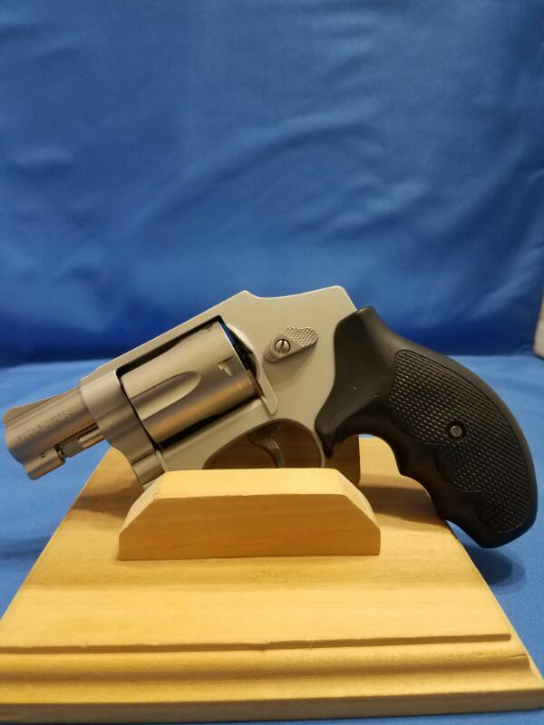SMITH & WESSON Revolver AIRWEIGHT 642-1