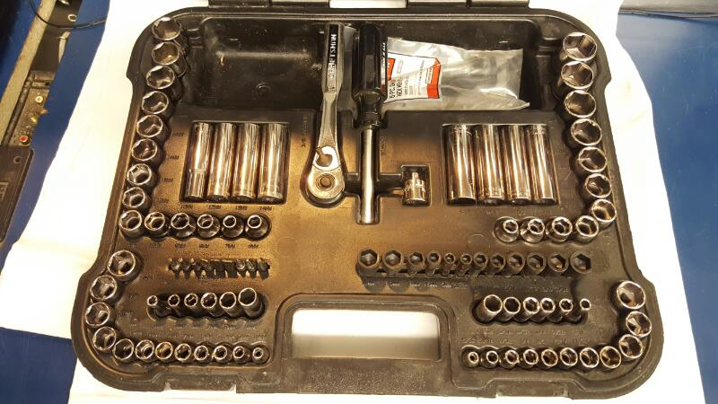 "CRAFTSMAN 98PC 3/8"" Ratchet/Socket Set and Hex Bit Handle/Set"